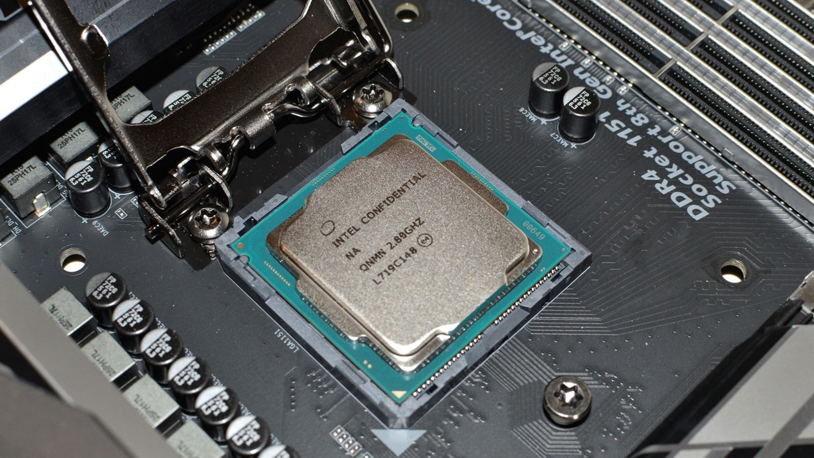 Intel and AMD's old Top-of-the-Line CPUs are on Sale